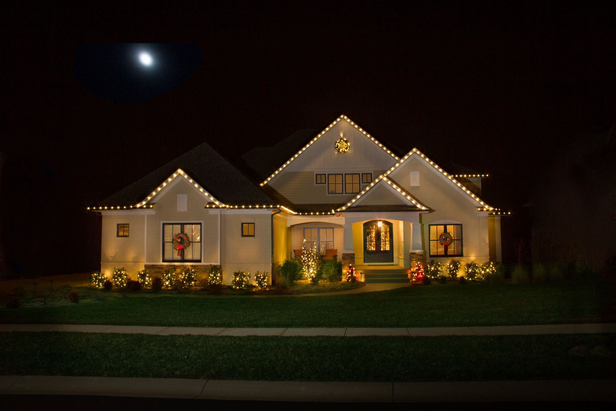 Christmas lights as decoration year round - Christmas Time Will Always Be The Most Popular Time Of The Year To Utilize Outdoor Lighting Decorations But Year Round Light Decorations Are Rapidly
